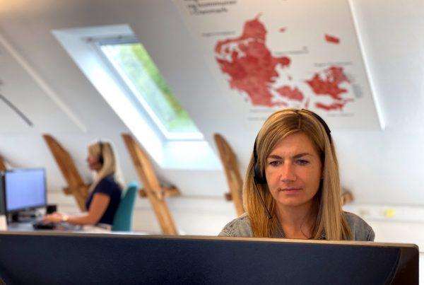 booking-konsulent-kontakt-medarbejder-spoergsmaal